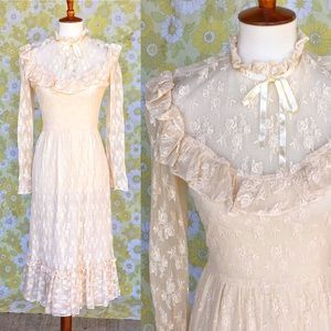 Vintage⭐️70s Victorian Style Cream Lace Midi Dress